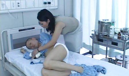 Rubia le videos xxx de señoras culonas da un masaje y se da a sí misma para